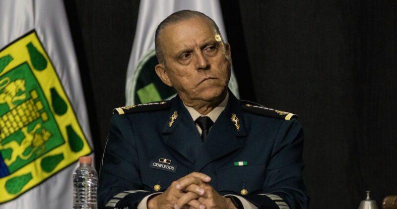 El general Cienfuegos, exonerado
