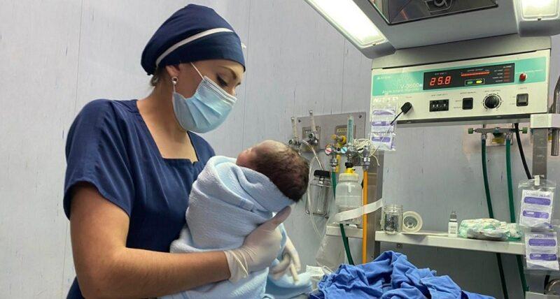 Videos: El primer nacimiento del 2021 se registra en un IMSS de CdMx; es un niño y se llama Daniel