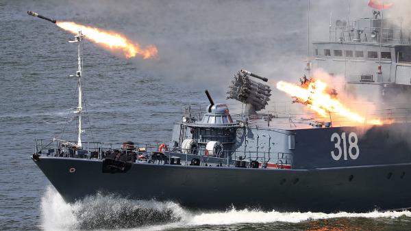 Putin firma una ley para prorrogar por 5 años el Tratado de Reducción de Armas Estratégicas entre Rusia y EE.UU.