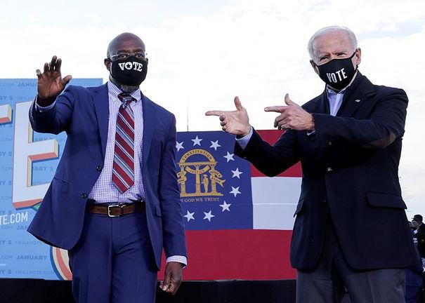Biden ya felicitó al demócrata y reverendo Raphael Warnock  por su triunfo en Georgia. Jon Ossoff  proclama su victoria sobre el republicano