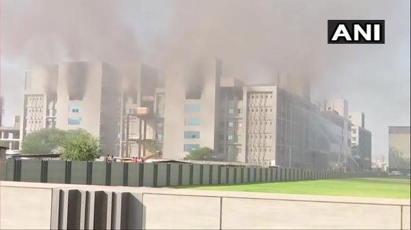 Incendio en instalaciones del mayor productor de vacunas contra COVID-19 del mundo. A salvo, el área donde se elaboran