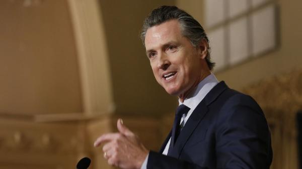 """Del sur de California surge el """"corazón, el alma"""" y la billetera para destituir al gobernador Gavin Newsom"""