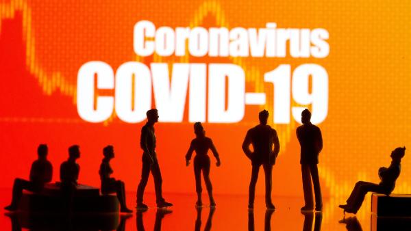 """Video: No suprimir la transmisión de COVID-19 """"al máximo grado posible"""" pondría en riesgo la eficacia de las vacunas: OMS"""