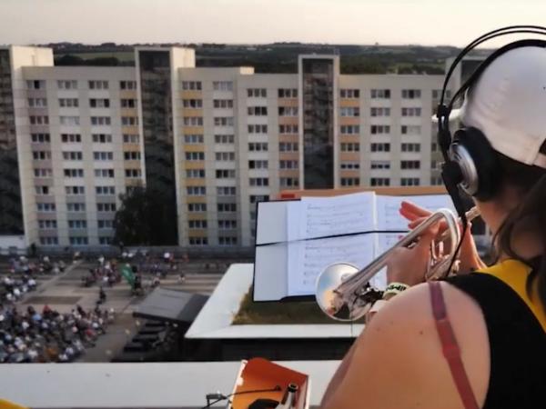 Videos: La Orquesta Sinfónica de Dresde comparte concierto desde las azoteas
