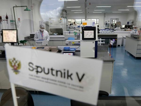 Autoriza Cofepris el uso de emergencia de la vacuna rusa Sputnik V