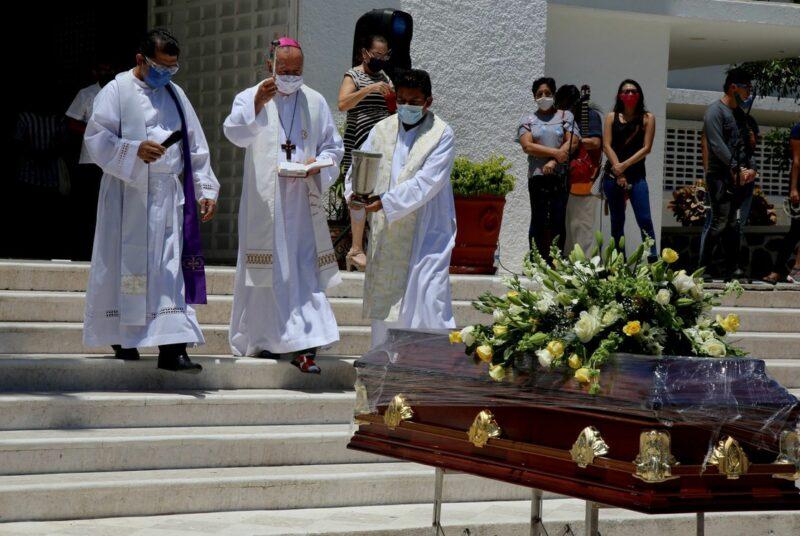 Reporta Iglesia Católica mexicana que cuatro obispos y 135 sacerdotes han muerto por Covid-19