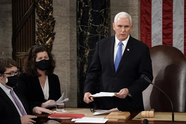 Inicia el Congreso certificación del triunfo de Biden. Vicepresidente Pence desoye a Trump y no la detendrá. Republicanos objetan resultados electorales