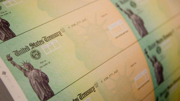Biden evalúa enviar el cheque de ayuda a menos personas, pero mantiene el monto de $1,400: este es su posible plan