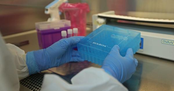 Tres médicos mexicanos prueban con éxito su tratamiento contra la COVID con base en esteroides