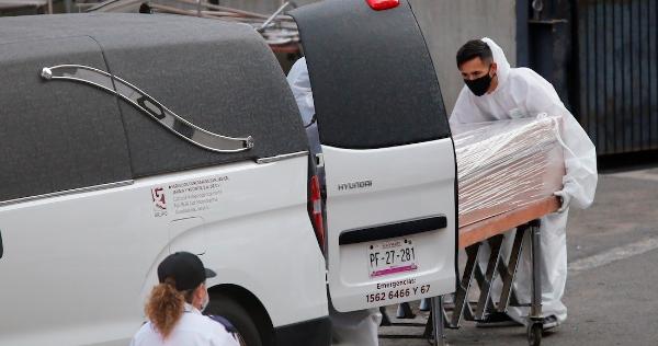 México llega a las 177,061 muertes por la COVID-19: Salud; los casos confirmados superan los 2 millones