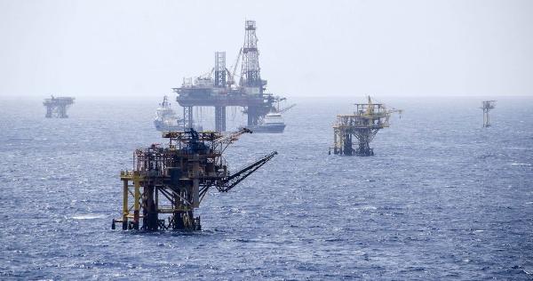 Fin a 15 años de caídas en la producción  de Pemex: subió a 1.7 millones de barriles diarios