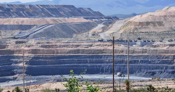 Minera canadiense evadió pagar a los mexicanos por la plata que se lleva. El SAT va por ella: Reuters