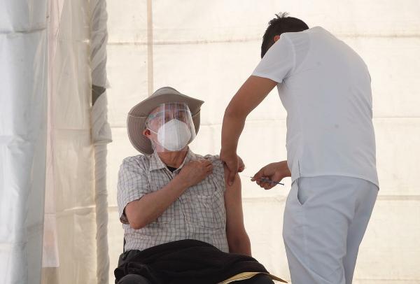 Seguirá vacunación de adultos mayores en Tláhuac, Xochimilco e Iztacalco de la Ciudad de México