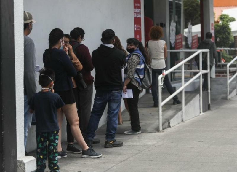 Migrantes mexicanos podrán abrir cuentas vía remota en el Banco del Bienestar para enviar sus remesas