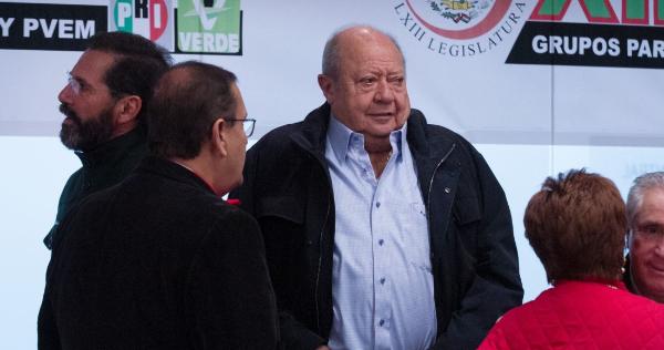 Romero Deschamps renunció a ser trabajador activo de Pemex, a petición del gobierno, informa AMLO