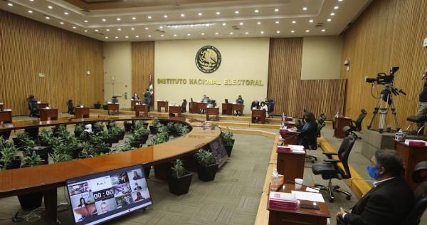 """Video: ¿Qué es """"sobrerrepresentación"""" y por qué parece que el INE quiere parar a Morena? #LoQueSabemos"""