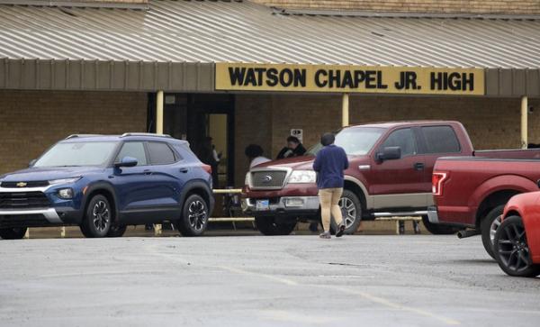 Tiroteo en escuela de Arkansas: un muerto