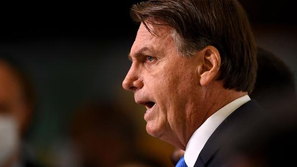 """Con un nuevo récord diario de fallecidos al día, 3,780, Bolsonaro pide la vuelta al trabajo: """"El hambre mata más que el propio virus"""""""