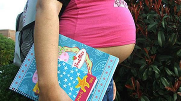 La proliferación de embarazos de adolescentes rebasa la capacidad del Promajoven: Coneval