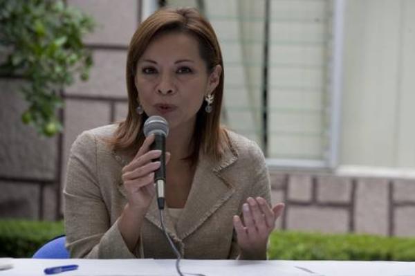 Vázquez Mota denuncia violencia de género por parte de Fox y Calderón