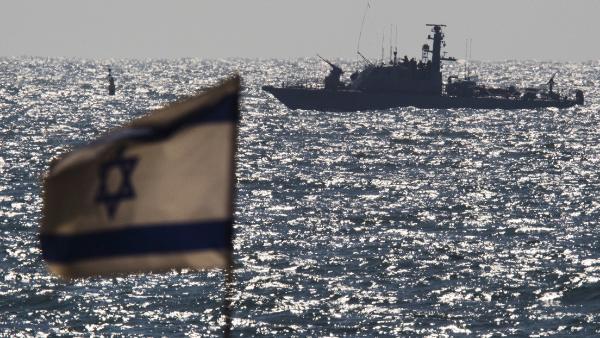 Reportan un ataque con un misil lanzado por Irán contra un buque israelí en el mar Arábigo