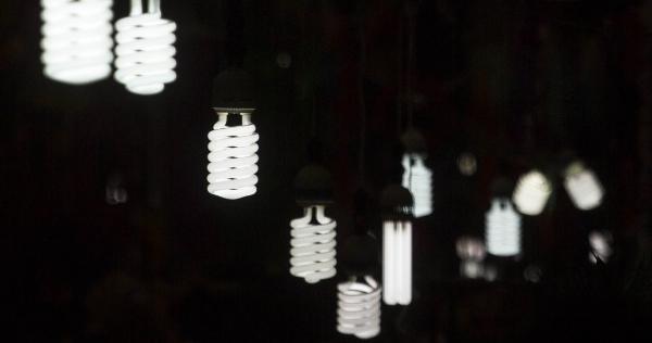 Otro Juez frena la nueva Ley eléctrica: dice que puede dañar la libre competencia en México