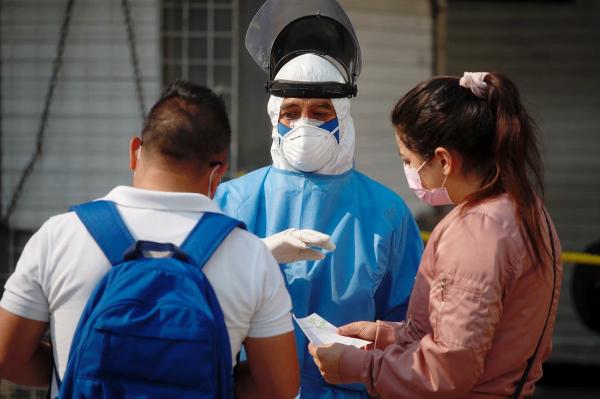Sigue al alza la pandemia en 10 entidades: Ssa