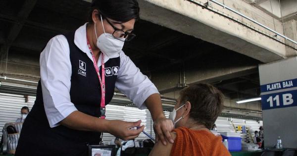 """Videos: La vacuna mexicana """"Patria"""" contra el COVID-19 estará lista a finales de año"""