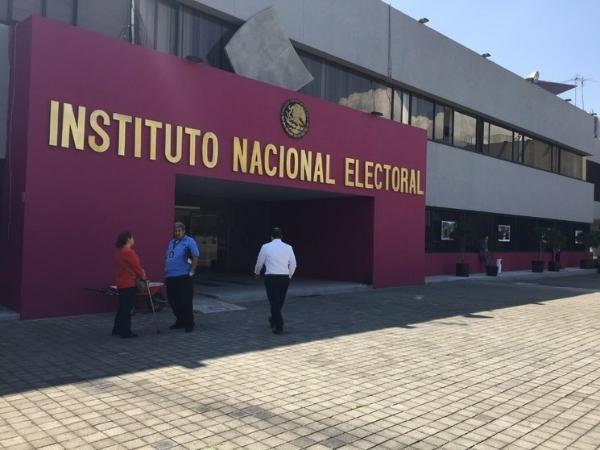 Perfila el INE cancelar candidaturas de Salgado y Morón, de acuerdo a un proyecto de dictamen que circula en el organismo