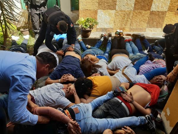 Balacera en Guadalajara deja tres muertos y 30 detenidos