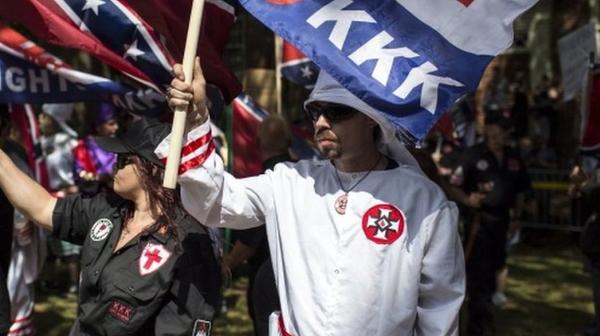 Grupos supremacistas convocan a una gran manifestación hoy en EU. Policías, en máxima alerta
