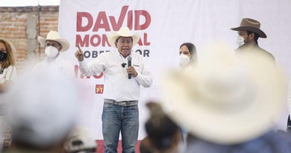 """Videos: Fue un """"roce involuntario"""", dice David Monreal del manoseo de una candidata, captado en VIDEO"""