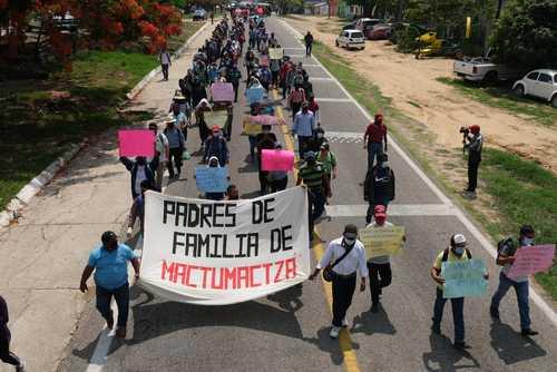 Video: Liberan a 74 mujeres normalistas de Mactumactzá
