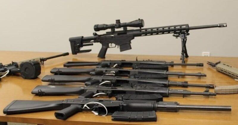 EU halla armas de asalto y miras telescópicas con destino a México