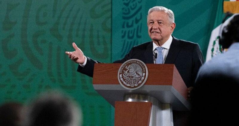 El Gobernador del Banxico avaló compras a sobreprecio, denuncia AMLO.  Dijo que pertenece al grupo de Luis Videgaray y José Antonio Meade