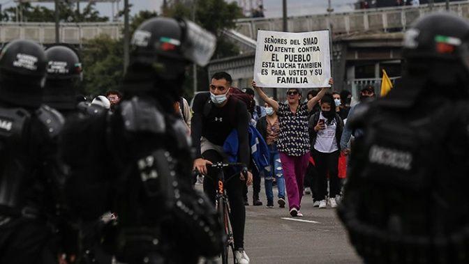 Colombia registra más de 1956 casos de violencia policial durante manifestaciones. Ya son 40 muertos