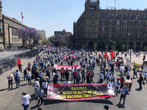 En Día del Trabajo, Marcha CNTE y Sindicato de Electricistas por defensa de derechos laborales