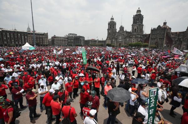 En el Día del Trabajo, convocan a los trabajadores a unirse para defender sus derechos
