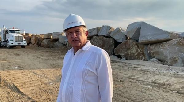 El estado operará los 10 parques industriales en el corredor del Istmo, asegura AMLO. Afirmó que no van a concesionarse a particulares mexicanos ni extranjeros, puntualiza