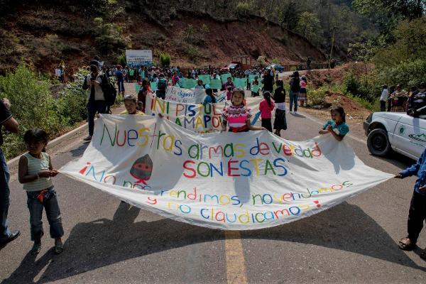 No nos rendimos ni claudicamos: niños indígenas