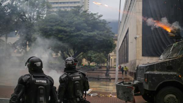 Videos: Las protestas en Colombia dejan ya 24 muertos y 800 heridos