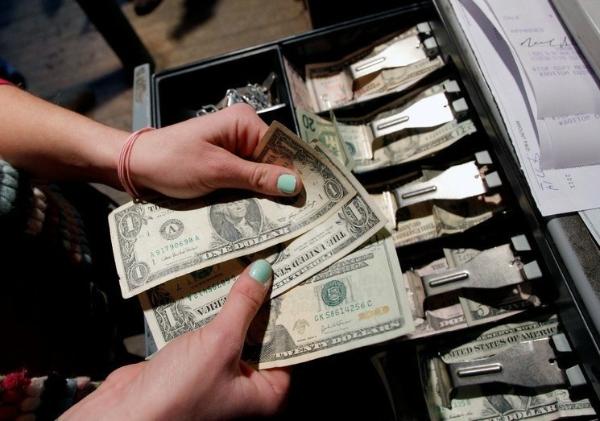 En marzo, el mayor flujo mensual de remesas de la historia: 4 mil 151 millones de dólares, informa el Banco de México