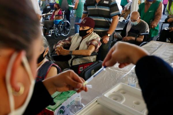 EU apoya liberar patentes de vacunas anti Covid