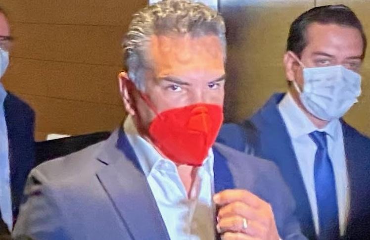 """El líder del PRI calla sobre el contrato a Antonio Sola: """"llevo prisa"""""""