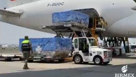 Llega a México vuelo procedente de Moscú con 500 mil dosis de Sputnik V