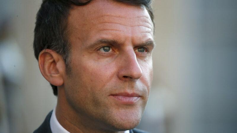 Video:  Un hombre abofetea al presidente Macron durante su visita al sureste de Francia