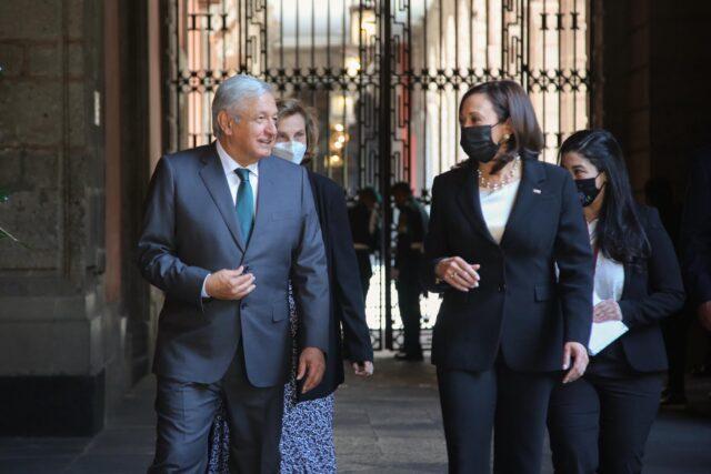 """Video: La vicepresidenta Harris califica de """"éxito"""" su gira a México y Guatemala"""