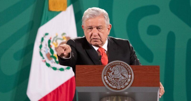 Videos: AMLO exhibe llamadas antes de la votación contra Morena en la Ciudad de México. Agradece el voto a favor de la 4T pese a campañas de desprestigio