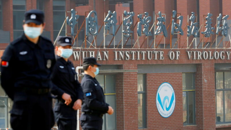 EU advierte a China que será aislado internacionalmente si no coopera con investigaciones sobre el origen del COVID-19
