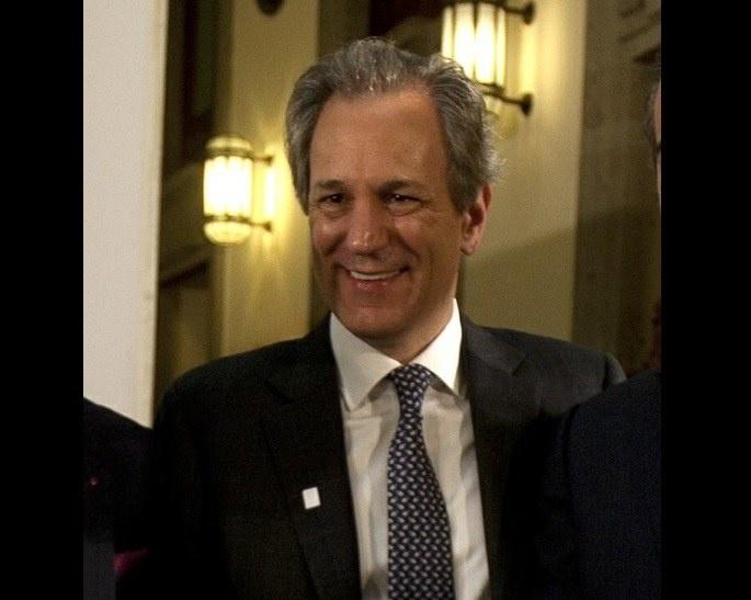 """AMLO se reúne con empresarios del Consejo Mexicano de Negocios, entre ellos Claudio X. González, creador y financiero del opositor """"Va por México"""""""